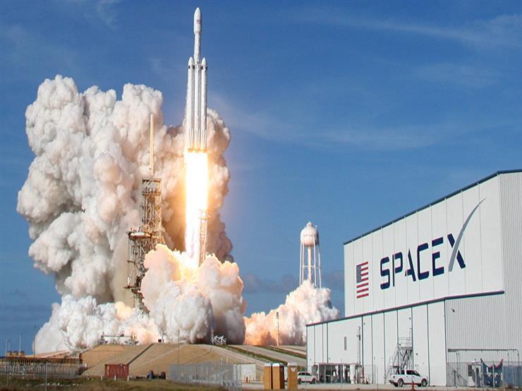 وكالة ناسا إطلاق رواد فضاء ناسا من أمريكا في رحلة اختبار تاريخية لطائرة سبيس إكس